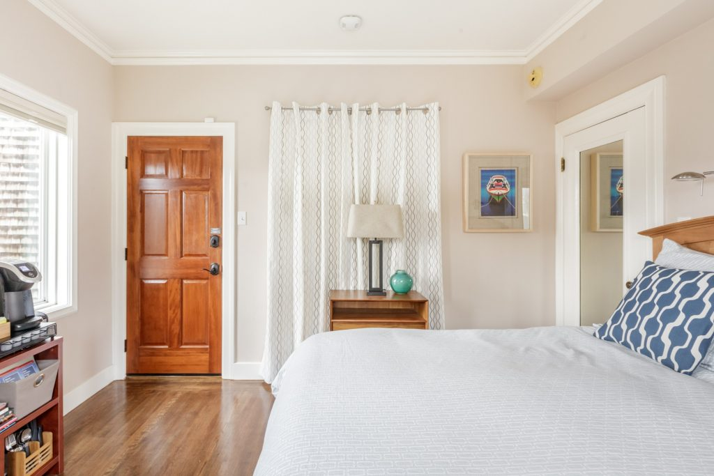 Guest Suite with Private Entry in Geographic City Center